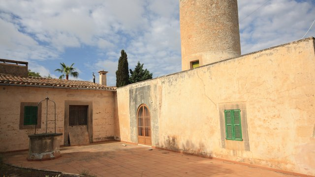 Fabulous townhouse for restauration in Santanyí, Mallorca.