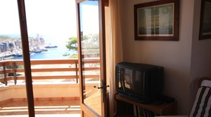 Apartment with sea views for rent, in Cala Figuera, Mallorca.